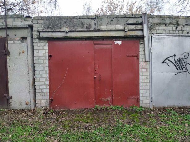 Продам кирп. гараж в Центре, ул. Шевченко (р-н рынка)