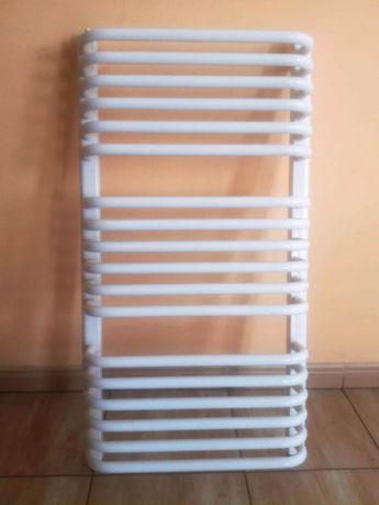 Grzejnik łazienkowy 900 x 530 mm biały