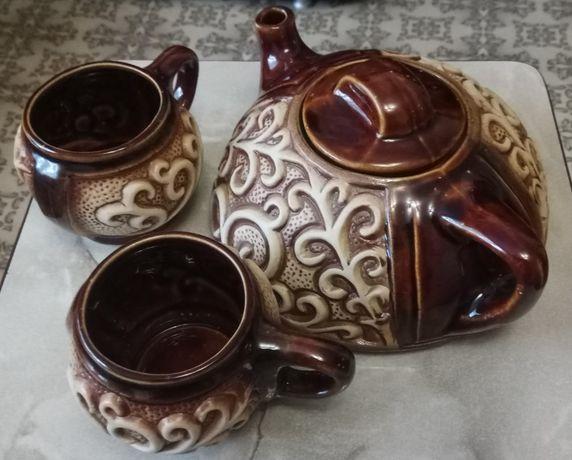 Посуда (чайный набор, супница, тарелки, сковорода)