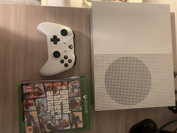 Xbox One S 500GB + gry