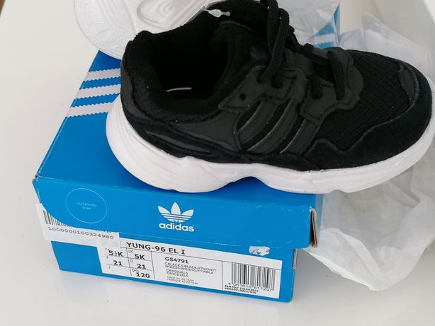 Adidas sapatilhas novas nr 20 ou 21