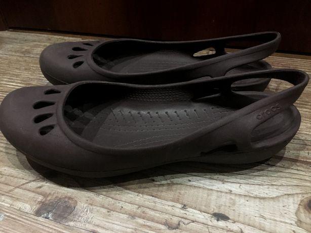 Босоножки Crocs р. W9 в отличном состоянии