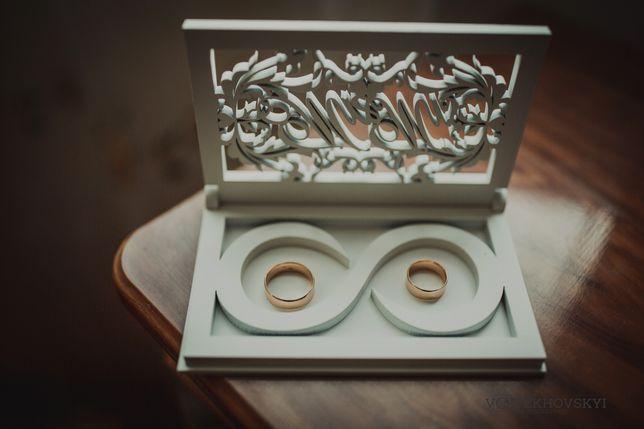 Коробочка для обручок дерев'яна Mr&Mrs
