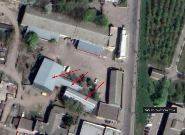 Продам торгого офісне приміщення 1995 м.кв і територією 50 соток
