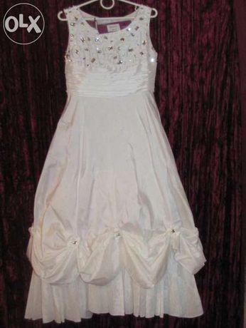 Нарядное платье на выпускной 5-6л новое