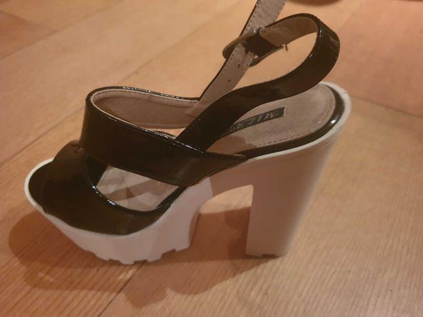 Mala,sandálias lindas novas