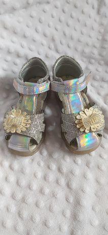 Sandały buciki letnie dla dziewczynki r.25 brokat kwiatek