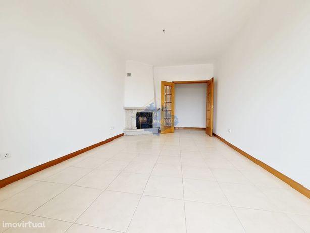 Apartamento T2 como novo em São João da Madeira
