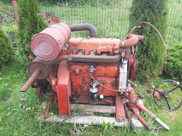 Sprzedam silnik 4 cylindrowy