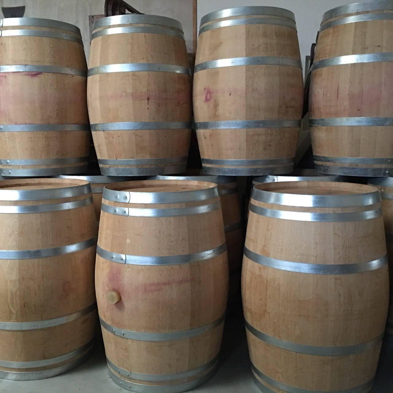 Barricas/Pipos/Barris/Pipas em madeira de carvalho francês 225L