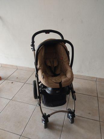 Carrinho de bebé, com ovo e alcofa