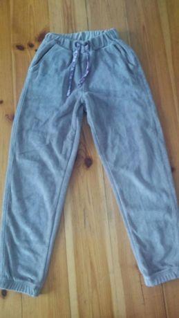 Spodnie dresowe ze Smyka
