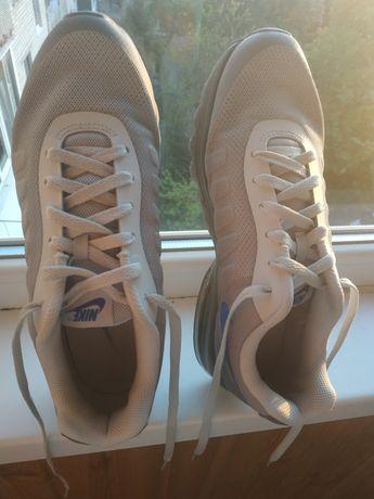 Продам оригинальные кроссовки Nike Air max invigor print