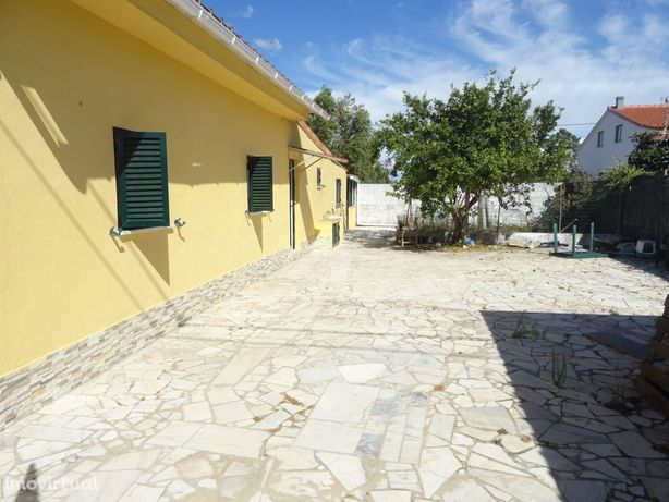 Terreno Rustico com duas moradias e piscina, Quinta da Marquesa