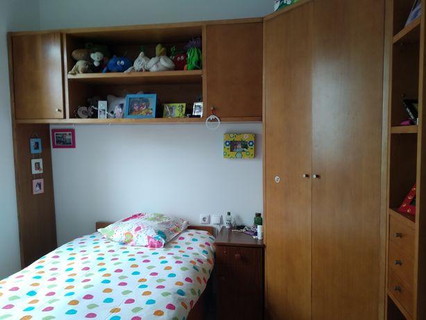 Mobília de quarto completa + camiseiro