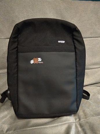 Plecak Swiss Peak, chroniący przed kieszonkowcami, RFID + logo Kubicy.