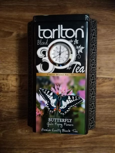 Металлическая коробка бабочка, с часами. Цена снижена