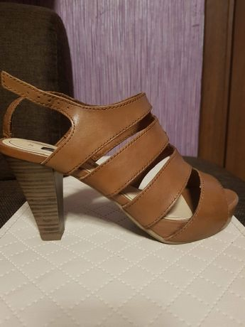 Sandałki Tamaris 37