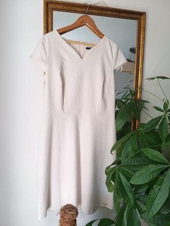 Sukienka pudrowy roz Monnari elegancka z tloczeniami NOWA