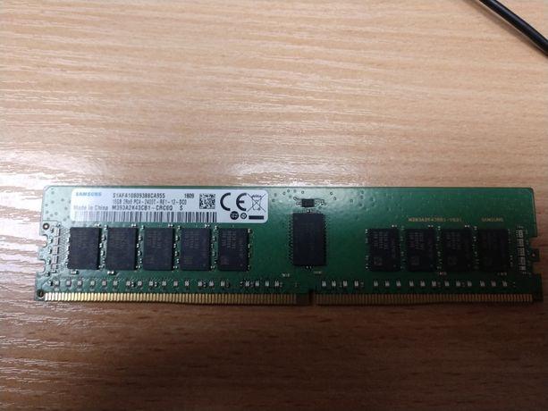 Модуль памяти DDR4 16Gb Samsung (M393A2K43CB1-CRC)
