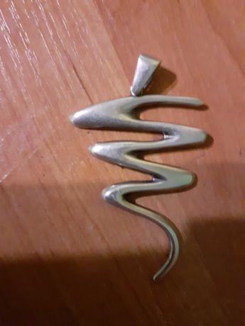 Srebrna zawieszka do naszyjnika