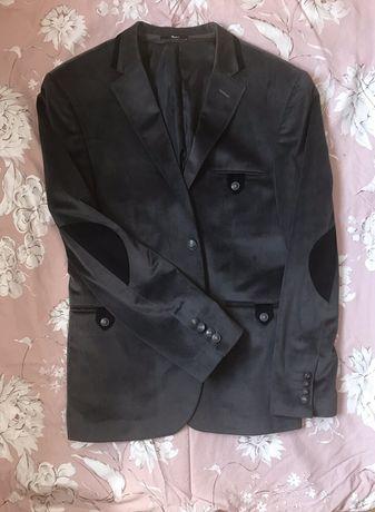 Мужской пиджак. Одет один раз.