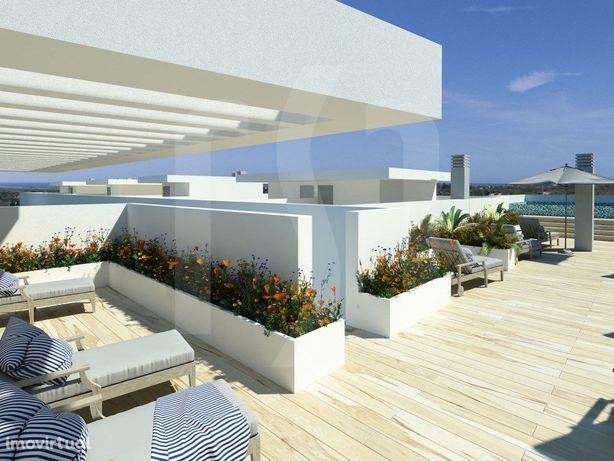 T3+2 com terraço e piscina | Condomínio Privado