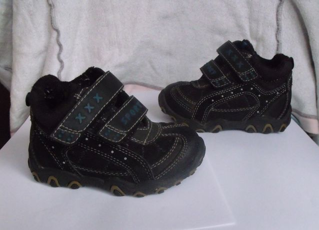 Туфли кроссовки р.22 (по стельке 13,5 см.)