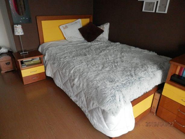 Móvel de quarto completo em faia