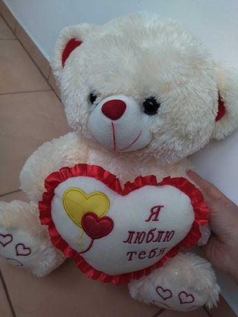 Ведмедик білий з сердечком