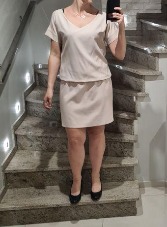 Beżowa sukienka rozm M