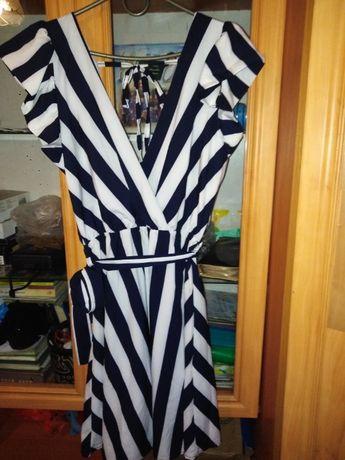 Платье в полоску очень можное