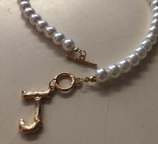 Naszyjnik z perel naturalnych litera J