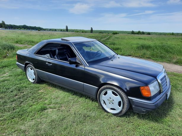 Mercedes w 124 coupe
