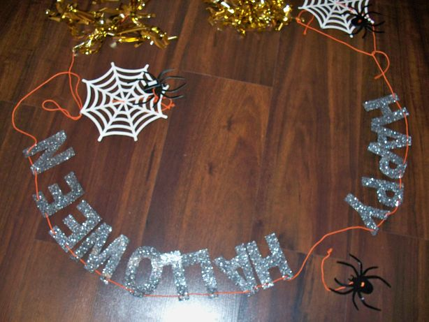 napis dekoracyjny happy halloween