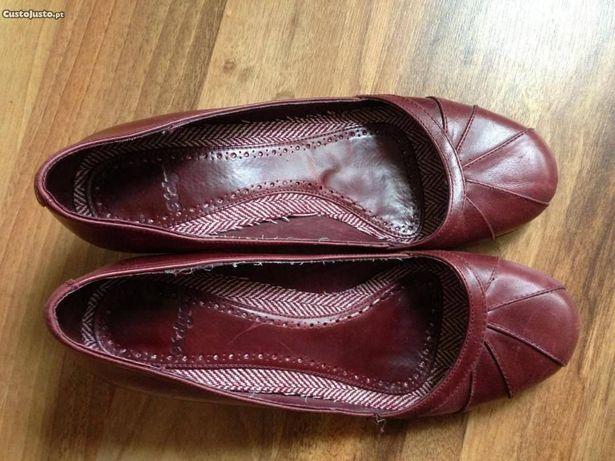 Sapatos bordeaux salto baixo - em bom estado