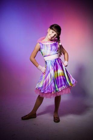 Красивое платье 7-9 лет