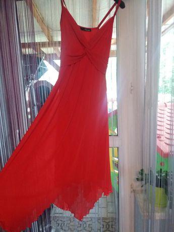 Sukienka długa czerwona