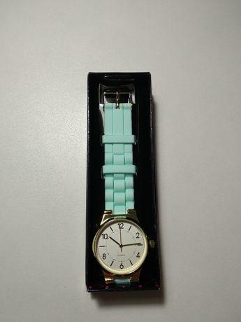 Новые часы Avon