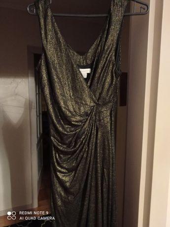 Długa błyszcząca sukienka