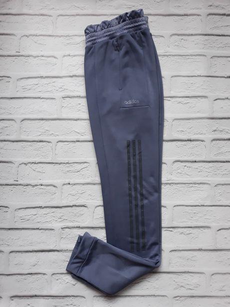 Спортивные штаны Аdidas оригинал,тёплые 2 пары!