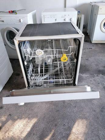 Máquina de lavar loiça whiarpool
