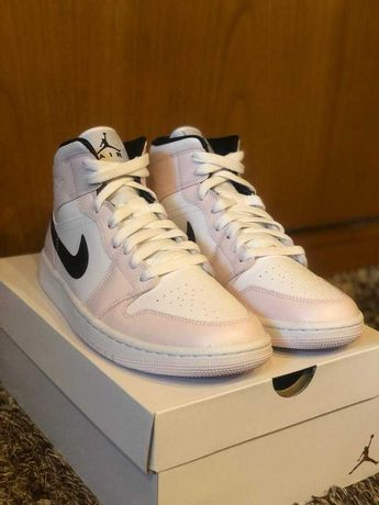 Nike Air Jordan 1 Mid Barely Rose - 40,5