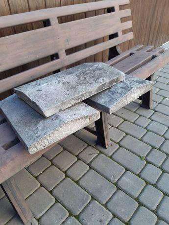 Продам бетонные коньки и крышку на забор.