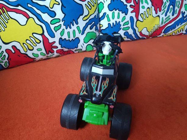 Hot Wheels Monster Jam Grave Digger 1:24 Zielone