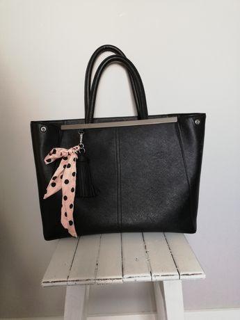 Czarna damska torebka Orsay A4