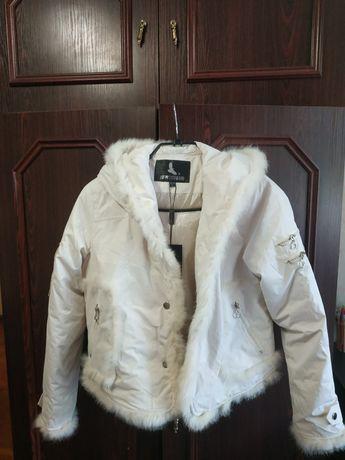 Продам женскую курточку