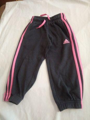 dziewczęce spodnie dresowe r.104, marki adidas