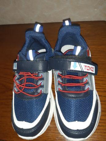 Продам нові кросовки