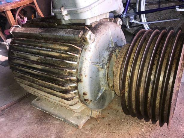 Продам мотор в отличном рабочем состоянии